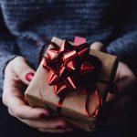 Originálne darčeky pre partnerku, ktoré ju zaručene potešia a prekvapia